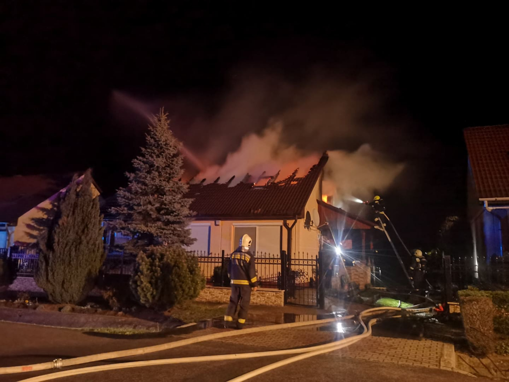 Családi ház égett Pusztavámon