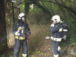 Tűzoltók a szabadban
